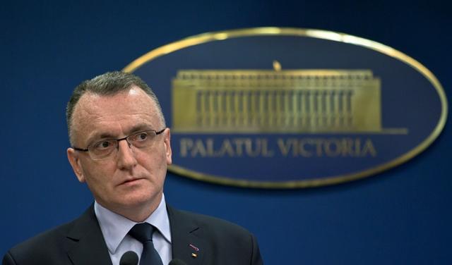 Na snímke je dočasný rumunský premiér Sorin Cimpeanu