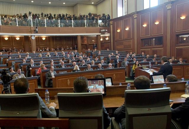 Na snímke poslanci kosovského parlamentu