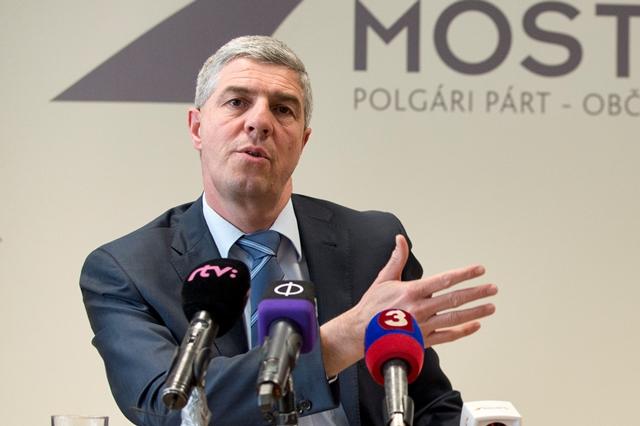 Na snímke predseda strany Béla Bugár