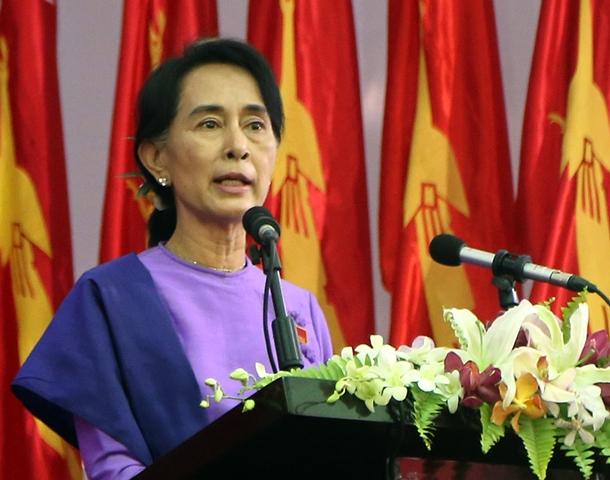 Na snímke líderka opozičnej Národnej ligy za demokraciu Aun Schan Su Ťij