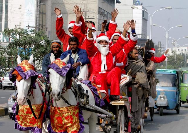 Takto pekne oslávili kresťania vianočné sviatky v pakistanskom meste Láhaur