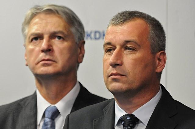Na snímke podpredseda KDH Pavol Zajac (vpravo) a Ján Hudacký