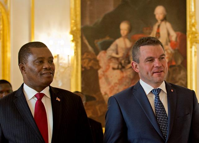 Na snímke vpravo predseda Národnej rady SR Peter Pellegrini a vľavo predseda Národného zhromaždenia Kenskej republiky Justin B. Muturi