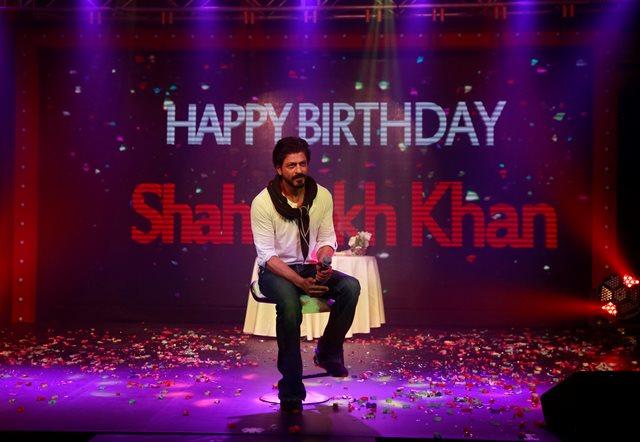 """Na snímke najpopulárnejšia tvár indickej """"továrne na sny"""" Bollywoodu, herec Shah Rukh Khan"""