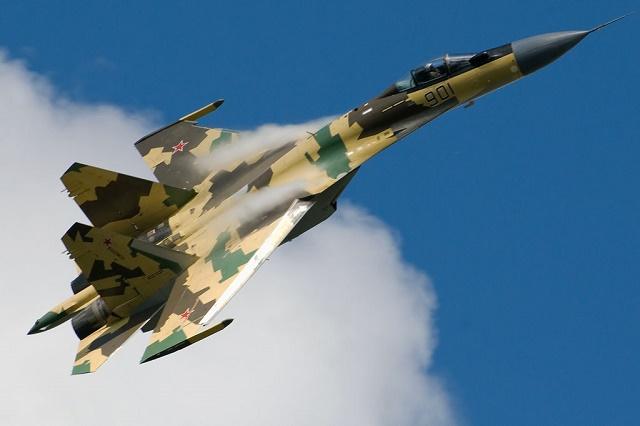 Ruská modernizovaná bojová stíhačka Su-35S od ruských vzdušných síl