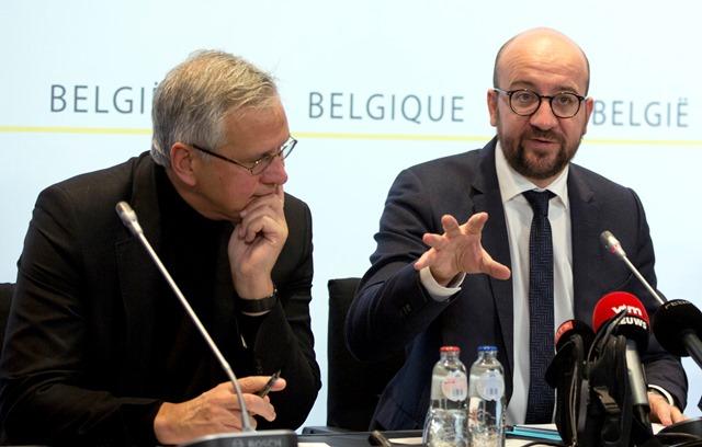 Na snímke vpravo belgický premiér Charles Michel