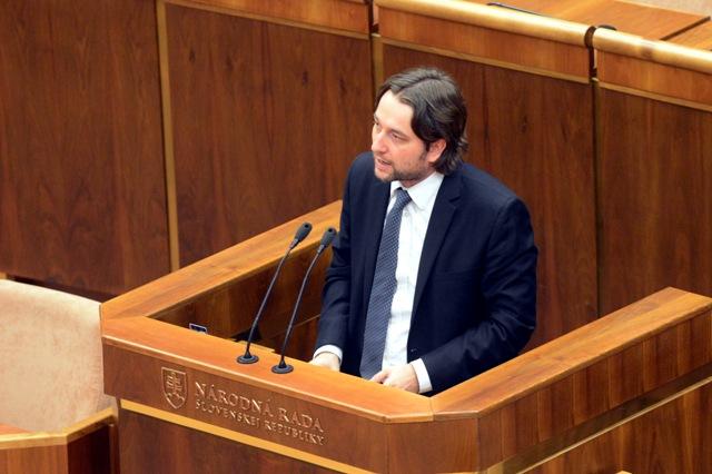 Na snímke poslanec Smeru-SD a šéf európskeho výboru Ľuboš Blaha. Foto: TASR