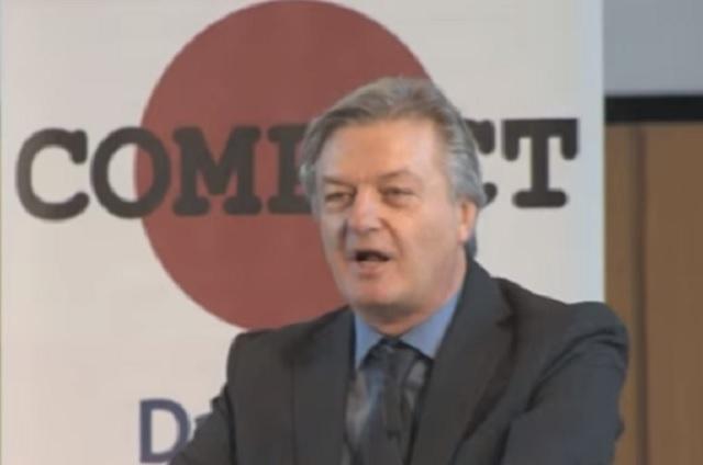 """Na snímke Jürgen Elsässer, jeden z organizátorov konferencie Compact """"Sloboda pre Nemecko"""""""