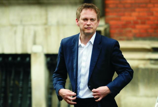 Britský ex-minister pre medzinárodný rozvoj Grant Shapps