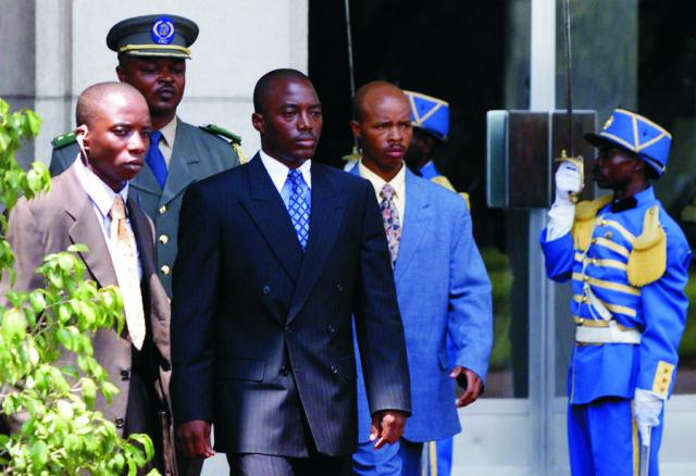 Prezident Konga Joseph Kabila (tretí sprava, v tmavom obleku)