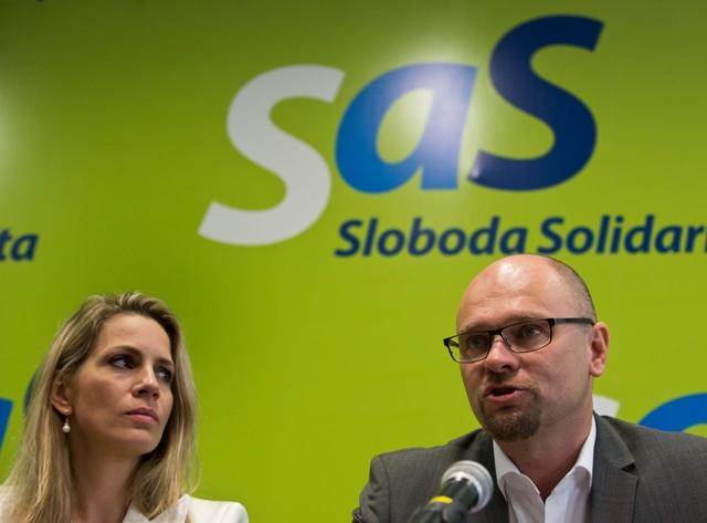 Na snímke vľavo poslankyňa Národnej rady SR za SaS Jana Kiššová a predseda SaS Richard Sulík