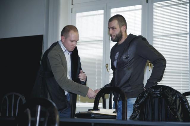 Na archívnej snímke Na snímke Roman Kukumberg (vpravo) počas pojednávania v Justičnom Paláci v Bratislave 31. januára 2014