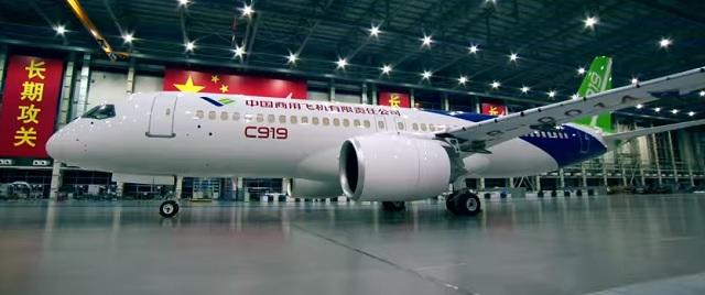 Na snímke nové čínske lietadlo C919