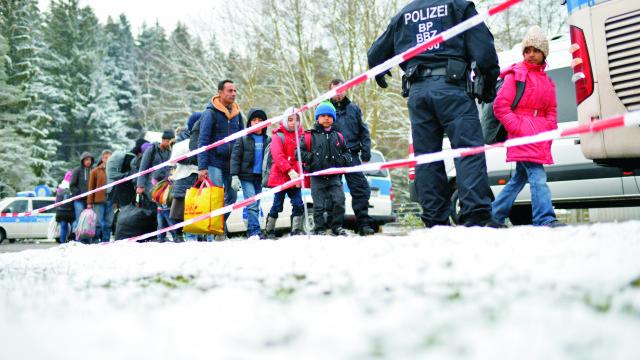 Sýrski migranti sa svojho cieľa nevzdávajú aj napriek zhoršujucému sa počasiu