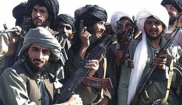 Na snímke bojovníci Talibanu