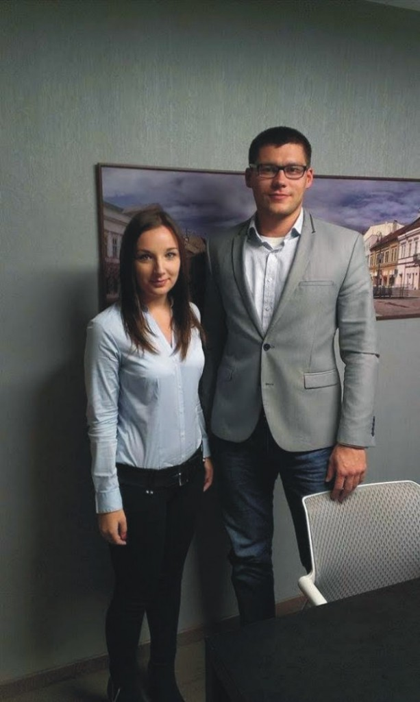 Na snímke redaktorka Andrea Hadbavníková (vľavo) a majster sveta v taekwonde Tomáš Kališka