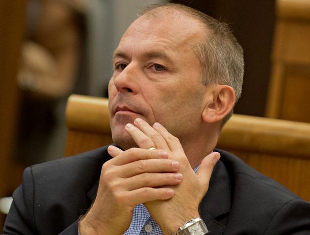 Na snímke poslanec NR SR za SDKÚ-DS Ľudovít Kaník