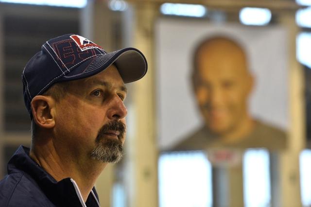 Na snímke reprezentačný tréner Zdeno Cíger  počas tréningu