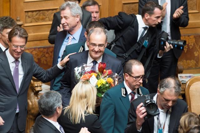 Švajčiarska ľudová strana (SVP), ktorá sa zasadzuje za obmedzenie imigrácie do krajiny, získala v stredu 9. decembra 2015 druhé kreslo v tamojšom sedemčlennom vládnom kabinete
