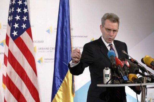 Na snímke ukrajinský veľvyslanec na Ukrajine Geoffrey Ross Pyatt
