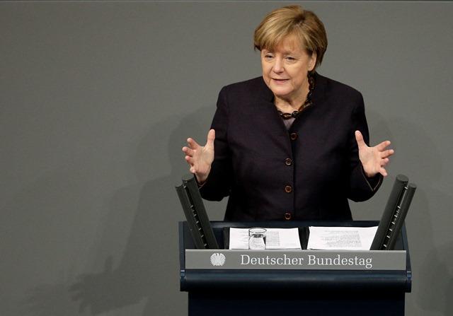 Na snímke nemecká kancelárka  Angela Merkelová počas prejavu v nemeckom federálnom parlamente Bundestag