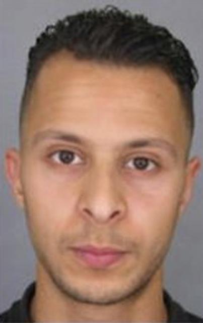 Na nedatovane snímke vydanej francúzskou políciou 26-ročný Salah Abdeslam