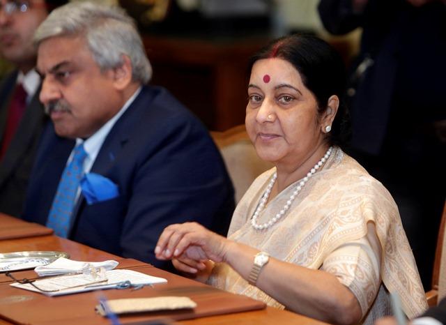 Na snímke vpravo indická ministerka zahraničných vecí Sushma Swarajová