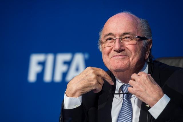 Na snímke suspendovaný prezident Medzinárodnej futbalovej federácie (FIFA) Sepp Blatter