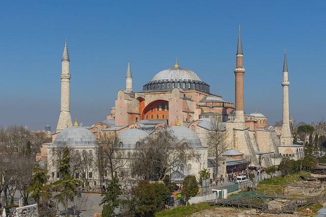 Na snímke veľkolepá Hagia Sofia - Chrám Božej Múdrosti