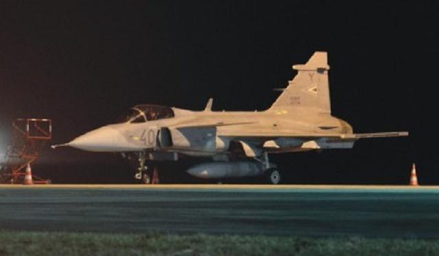 Na snímke bojové lietadlo JAS-39 Gripen