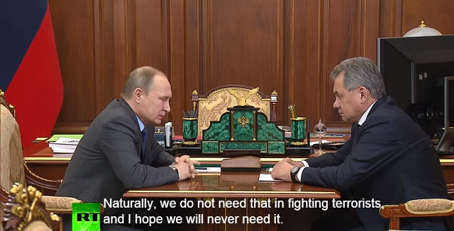 Snímka zo stretnutia ruského prezidenta Vladimíra Putina s ministrom obrany Sergejom Šojgom