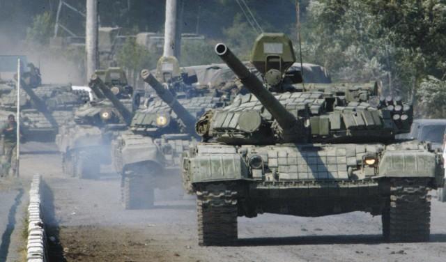 Na archívnej snímke kolóna ruských tankov