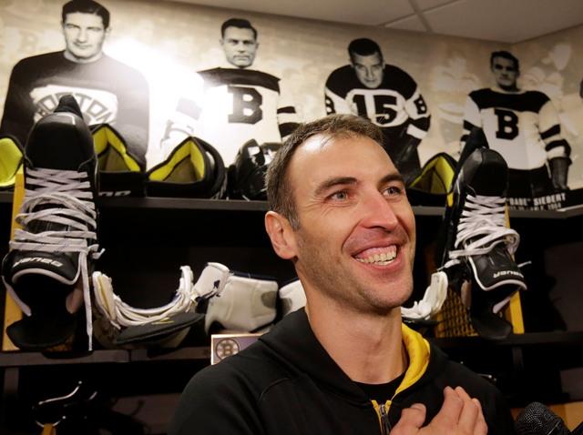 Na snímke slovenský obranca Bostonu Bruins Zdeno Chára