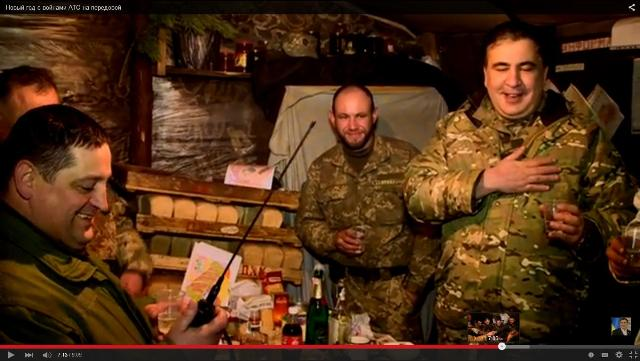 """Michail Saakašvili ako """"pravý ukrajinský patriot"""" navštívil pozície ukrajinskej armády"""