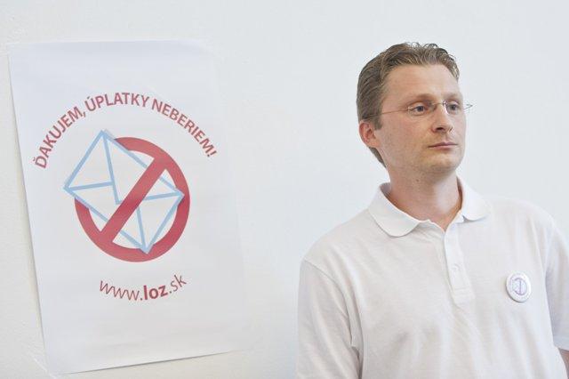 Na snímke predseda Lekárskeho odborového združenia (LOZ) Peter Visolajský