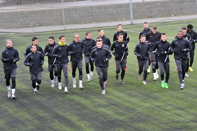 Futbalisti šesťnásobného slovenského šampióna MŠK Žilina začali zimnú prípravu pred jarnou časťou Fortuna ligy 2015/2016 na štadióne v Strážove