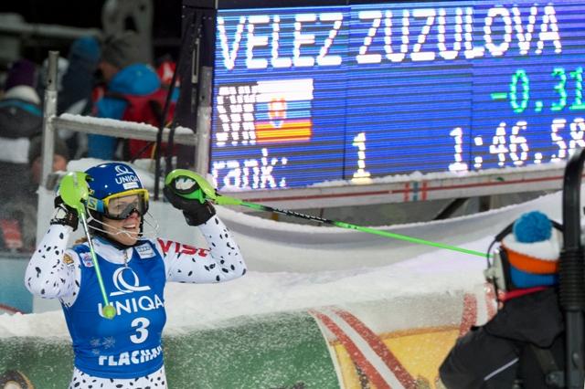 Na snímke slovenská reprezentantka v alpskom lyžovaní Veronika Velez - Zuzulová sa teší po triumfe v nočnom slalome žien Svetového pohára v rakúskom Flachau