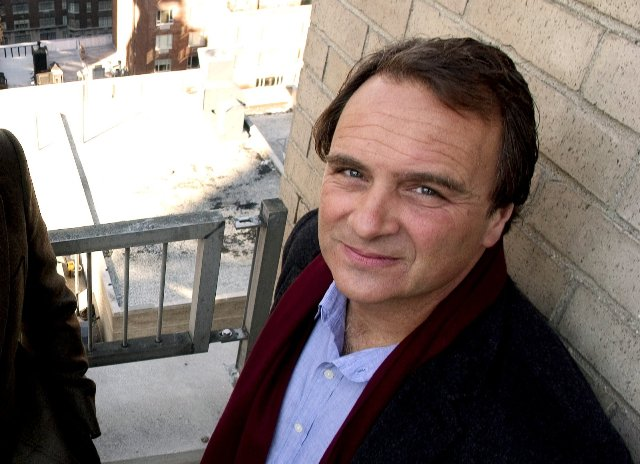 Robert Baer je v súčasnosti investigatívny novinár a spisovateľ