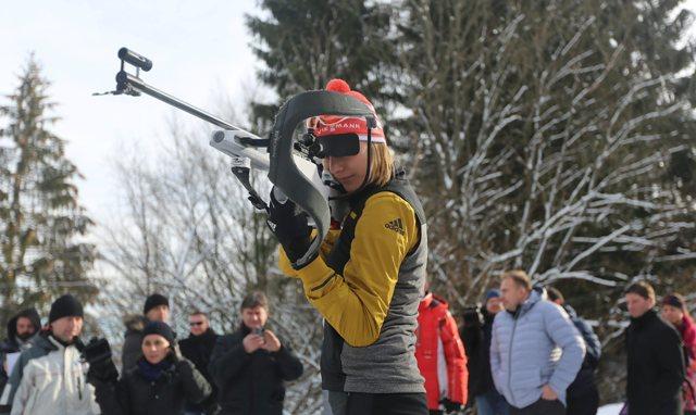 Na snímke slovenská biatlonistka Anastasia Kuzminová počas otvorenia novej biatlonovej strelnice v lyžiarskom areáli v Králikoch neďaleko Banskej Bystrice