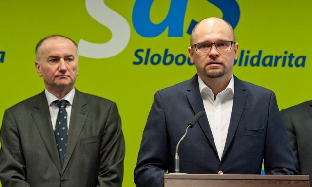 Na snímke predseda strany Sloboda a Solidarita (SaS) Richard Sulík  (vpravo) a poslanec SaS Eugen Jurzyca