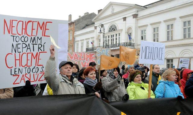 Snímka z protestného zhromaždenia zamestnancov školstva 14. decembra 2012 v Košiciach