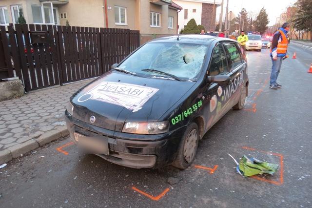 Na snímke dopravná nehoda v Nitre