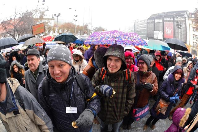 Na snímke protestné zhromaždenie učiteľov, ktoré zorganizovala Iniciatíva slovenských učiteľov (ISU). V Bratislave, 25. januára 2016