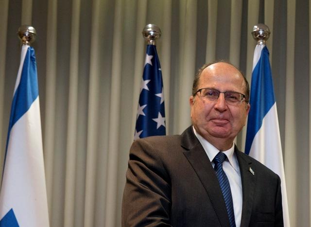Na snímke izraelský minister obrany Moše Jaalon