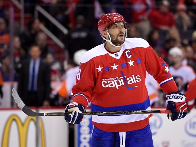 Na snímke ruský kapitán Capitals Alexander Ovečkin