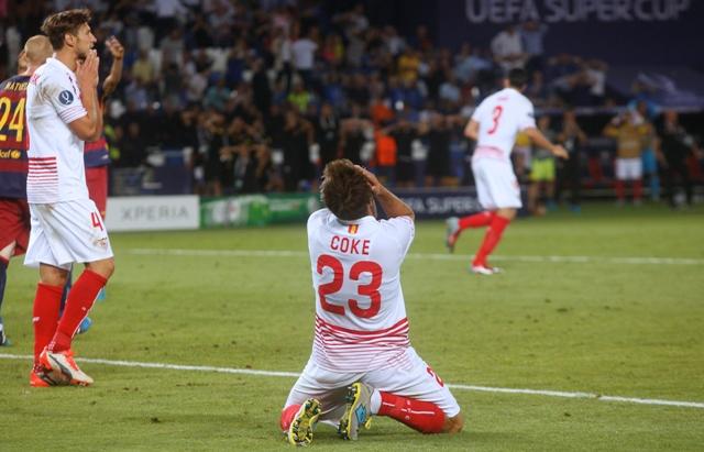 Na snímke obranca Sevilly Coke