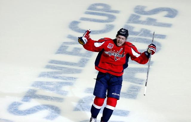Na snímke hokejista Washingtonu Jevgenij Kuznecov