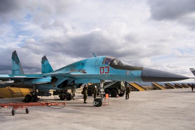 Na ilustračnej snímke bombardér SU-34