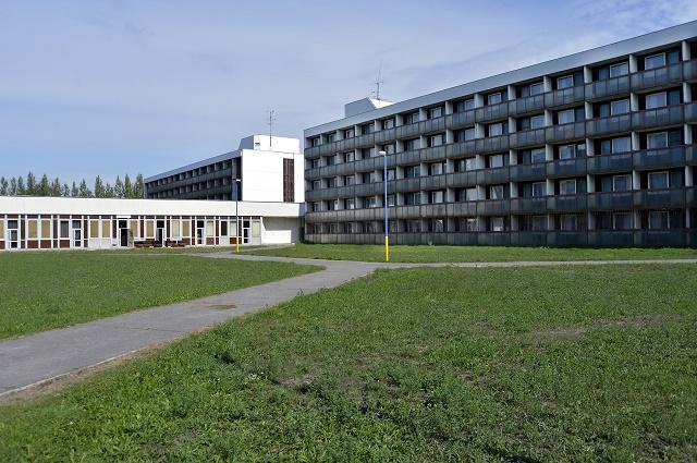 Na snímke azylové zariadenie v Gabčíkove pre dočasný pobyt migrantov