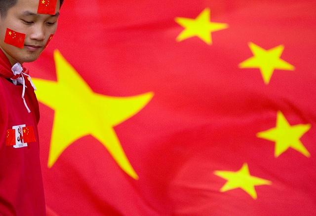 """Čína sa správa v globálnom svete rozumne. """"Zhora sa pozerá na konflikt medzi tigrami v údolí a zíde dole až potom, keď sa všetko upokojí"""""""